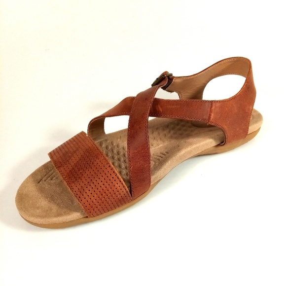 666dbfeafc302 Lands  End Shoes - Lands  End Women s Size 11 Brown Sandals
